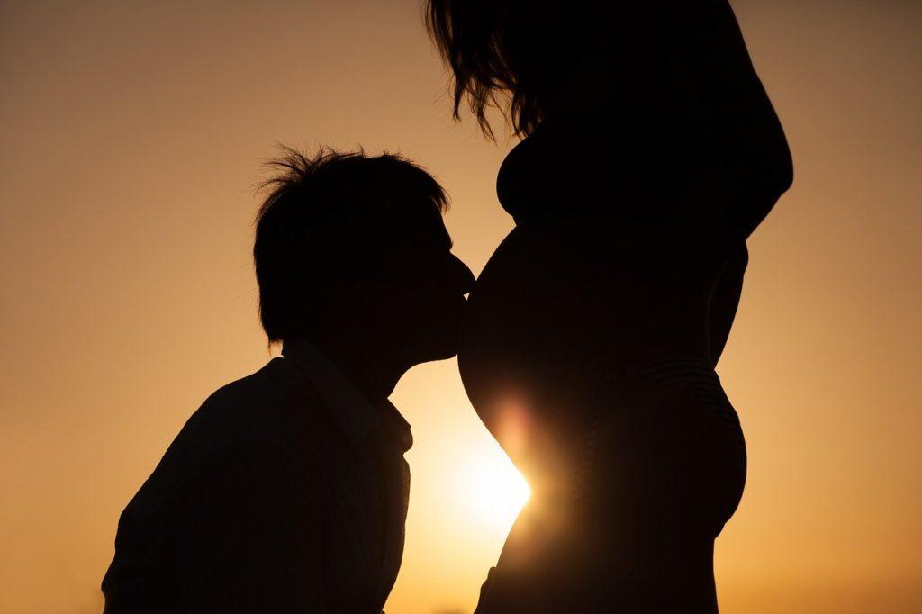 Un shooting grossesse en couple avec un professionnel