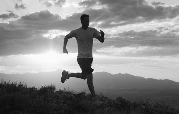 Après une liposuccion, le sport permet d'éliminer la graisse